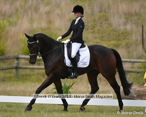 "Sophie Bennett in the CCNJ1*L riding ""Bvlgari"""