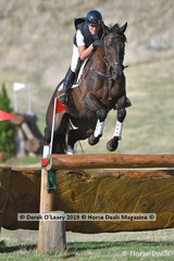 """Sophie Fox riding """"Mr Pig"""" in the CCI3*S"""