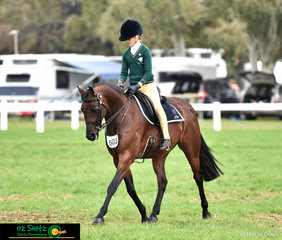 Riding for The Geelong College in the Primary Show Horse at the 2019 Victorian Interschool State Championships was Shayleigh Joblin and Maxwell Matador Royale.
