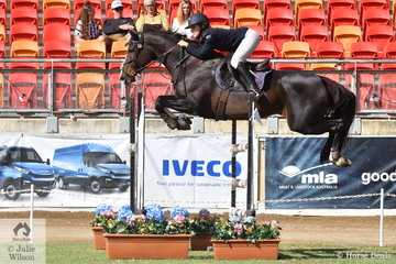 Lucie Aldridge has had a successful show with her, 'Ollie Olae' and today they  placed  fifth in the Young Rider Grand Prix.