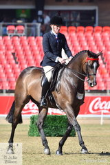 Chris Lawrie rode his beautiful, 'Royal' to win the class for Open Hack 16-16.2hh.