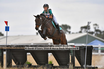 2nd place in the Open Grade 1 went to Amy Veenendaal riding Heatherton Park Jetstar, with a final score of 116