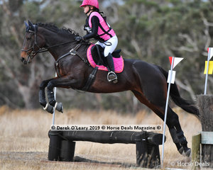 "Second place in the Open Grade 4.1 went to Lauren Cocks riding ""Miss Skiing"" with a final score of 23"