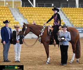 In a competitive field, Peta Hicks and Deckin Hot won the Youth Feature Western Performance on the final day of the Paint Horse National Championships.