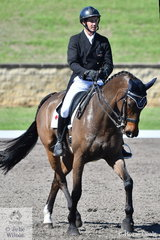 Sam Lyle rode Charlotte Mavris', BF Valour to hold the overnight lead of the Macarthur Automotive CCI4*-L, after the dressage phase with a score of 31.80.