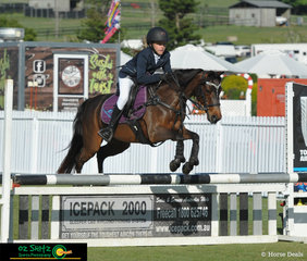 Placing third in the 80cm class on Saturday was Isabella Forsyth and Etheral Duchesse De Bloom
