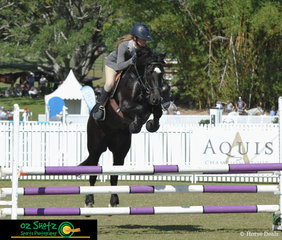 After travelling down from Bundaberg Daisy Bensa and her 7 year old 14hh Welsh Pony competed in the 90cm class on Sunday