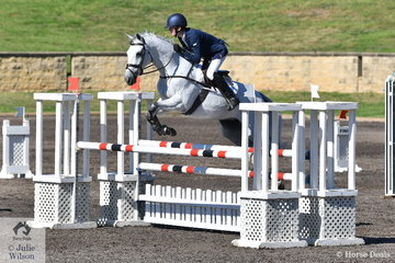 Oliver Barrett placed 7th and 8th with his two Thoroughbreds Sandhiils Special and Ballyhoo in the Hills District Farm Machinery CCI2*-S. Oliver was also awarded best junior in the CCI2*.