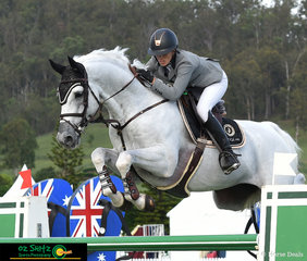 Jumping a double clear round and with a time of 34.05 seconds in the Jump Off round saw Katie Laurie and Casebrooke Lomond take the lead and win the 1st Qualifier of the Gold Tour.