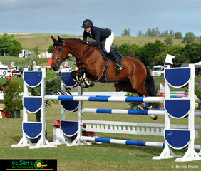 With a smile on her face, Jess Smith enjoyed her ride in the Progressive Rider Tour 1st Qualifier on Ngahiwi Cisco.