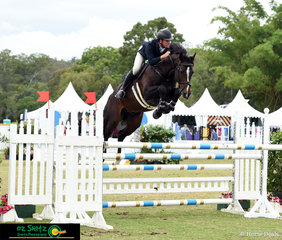 Soaring to the win in the Finch Farm 1.20-1.25m Rising Stars Championship was Tom McDermott aboard Cachassini 11 getting a time of 52.796 seconds at the 2019 AQUIS Champions Tour.