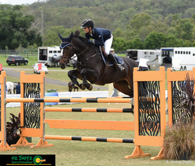 And she did it again! - Winner of the Progressive Rider Finals two years in a row, Sydney based rider, Alyssa Ho rode Along Came Polly to perfection at the 2019 AQUIS Champions Tour.