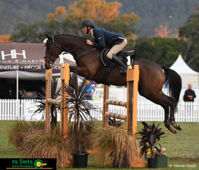 Challenging conditions were presented to the riders of the Thoroughbred 1.20m Championships however Queensland based rider, Robert Moffatt took up the challenge competing on Sausalito at the AQUIS Champions Tour.