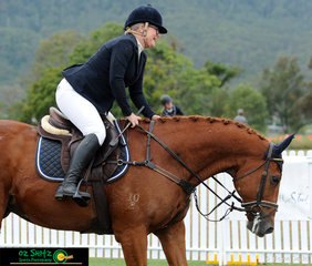 After recently returning to QLD from Sydney Jasmine Capwell and her 16 year old Thoroughbred Miami JC but more commonly known as Mr Magnificent competed in the Group 3 Thoroughbred ring on the second weekend at the AQUIS Champions Tour.