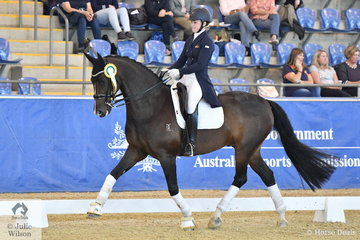Sabrina Hitch rode Dicavalli Dandy to third place in the Flexible Fit Junior Rider Freestyle.