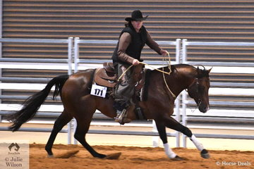 Kim Grosso rode DC Caddilac Jack to win the Senior Horse Ranch Boxing class.