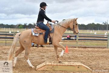 Anika MacKenzie rode Candy in the Freshmans Ranch Trail.