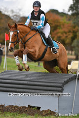 "Airlia Munn placed 2nd in the CCI2*-S Div 1 riding ""SHAKE MY HAND"" with a final score of 45.40"