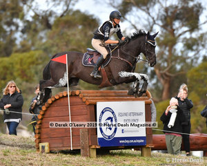 "Clare Anderson placed 7th in the CCI4*-S riding ""SOBERUP"" with a final score of 61.40"
