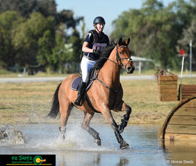 Day two of the Tamworth International One Day Event saw the 1 Star riders take to the cross country course, Emma Bickley and Artanas were spotted going through the water complex.