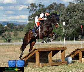 Breezing over the EvA95 cross country course was Fleeting with Christine Bates in the saddle at the Tamworth International One Day Event.