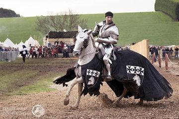 Sir Cliff Marisma riding Paco