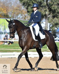 Jessica Rae and 'Rascal' by Regardez Moi make an elegant picture on their way to second place after the dressage phase of the Pryde's Easifeeds CCI4*-L
