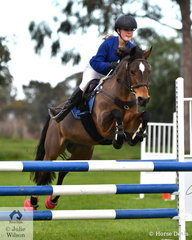 Tatum Knox from Princes Hill Secondary rode 'Elcarim Starlight' in the Level 4 Progressive Two Phase.
