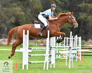 Edward Darby successfully competed last weekend at Melbourne 3DE. Today Edward was busy with a number of horses, he is seen here riding 'Dawn of the Day' in the Level 6 Advanced Art. 238.2.1.