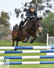 Zoe Waller from St Pauls Anglican Grammer rode 'Kingsbrook Victory' to win the Level 5 Intermediate Art. 238.2.1.