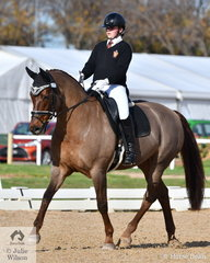 Jemma Geysen representing Haileybury rode, 'Rukuko M' to third place in the Medium 4B.