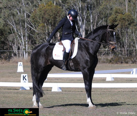 Executing a beautiful square halt in the One Star dressage was Emma Hindmarsh on her second ride in the class Southern Cross Rhea.