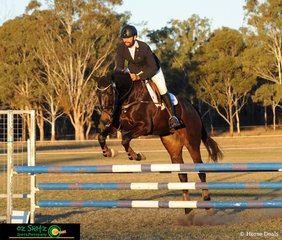 With the sun setting and one of the last to complete the show jumping phase of the EvA95 was Luke Harmer and he rode Coppers Ale.