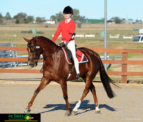The first day of the Interschool Horse Extravaganza saw the running of the Show Horse. Putting their best foot forward in the Year 10 - 12 Show Hunter Ridden phase was Molly Best and Sir Versace.