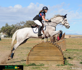 Showing beautiful form over the 2 Star Roll Top in the Interschool Horse Extravaganza ODE was Anna Jarvis riding Cullendore Trigger.