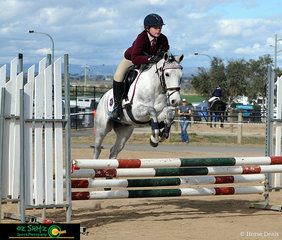 Cheeko had no problem clearing the oxer in the EvA80 Show Jumping phase with rider Kiara Sandry on board.