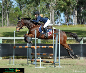 Soaring through the Secondary 1m Show jumping class at the 2019 Queensland Interschool State Championships was Felicity Sellick representing The Scots PGC College in Warwick riding Rockin Party at Maryborough.
