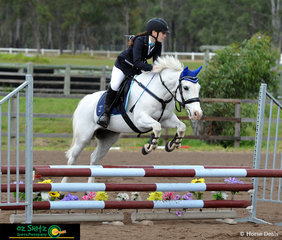 A super speedy round was performed by Mia Pace and her 19 year old pony Sammy in the 70cm A2. The pair are representing Faith Luthern College Plainland.