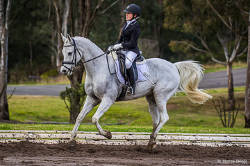 Brooke Gatt and Mulawa Vivaciuos from NSW in the Novice 2C had a fun day out