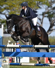 Lisa Gangur rode My Jessie Girl to second place in the 90 cm class.