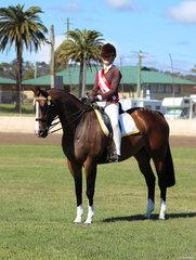 Champion Senior Rider Isabell Ellis form Grafton
