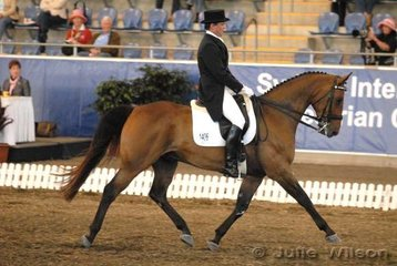 Adam Vellere rode his own and Ken Hoskins' Moscow' to score for 58.40%.