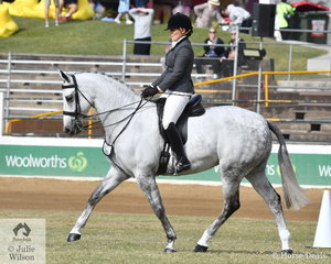 Amanda O'Sullivan rode her eye catching, 'Dicavalli Royal Glitter' to win the class for Novice Show Hunter 15.2-16hh.