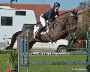 """Rebecca Barling rode """"Willtony Grand Illusion"""" in the EvA95 Section 2 Showjumping phase"""