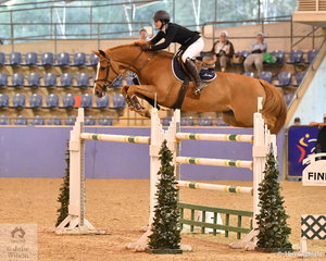 Gabrielle Kuna rode her wonderful Flaire to eigth place  in the Waratah Showjumping Grand Prix CSI1*W.