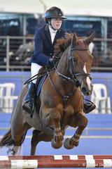 Laura Sloey rode Copabella Cashmir in The Riders Cup Mini Prix Art. 273.3.3.1.