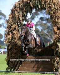 """Bessie Dimery riding """"Ruban Son"""" in the CCN3*-S"""