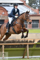 Jess Searle rode 'Charlie' to take third place in the class for Lady's Hunter.