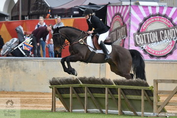 Brittany Edward's ex pacer, 'Dizzy' jumped well during the class for Lady's Hunter.