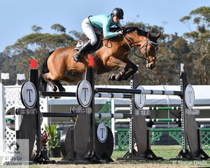 Amanda Madigan riding , 'Diamond B Vivienne' led the all girl, Emcee Apparel Team to win the first round of the Australian Teams Jumping League with a totally clear score sheet.